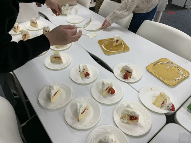 株式会社リコネクト_クリスマスケーキ会